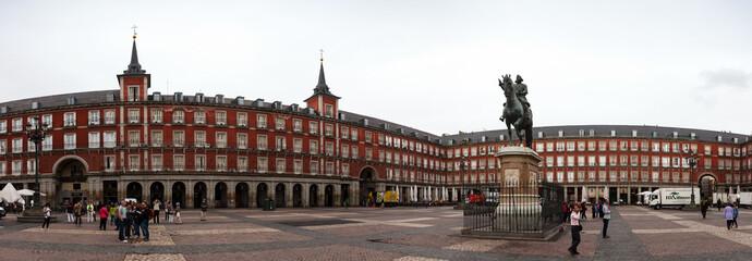 Panoramic view of Plaza Mayor with statue of Felipe III in Madri