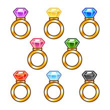 Anneaux d'or avec des diamants colorés