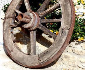 ruota di antico carro