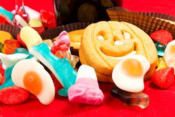 Biscotti di halloween con caramelle