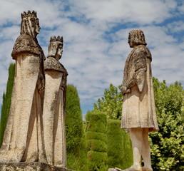 Estatua de Cristóbal Colón con los Reyes Cristianos