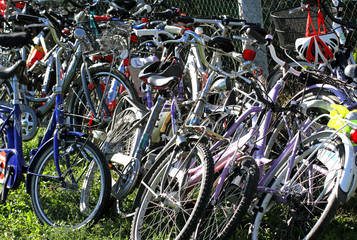 parking of bicycles by students in school