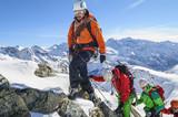 Szczyt alpejski w zimie