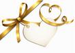Goldene Schleife mit Herzetikett