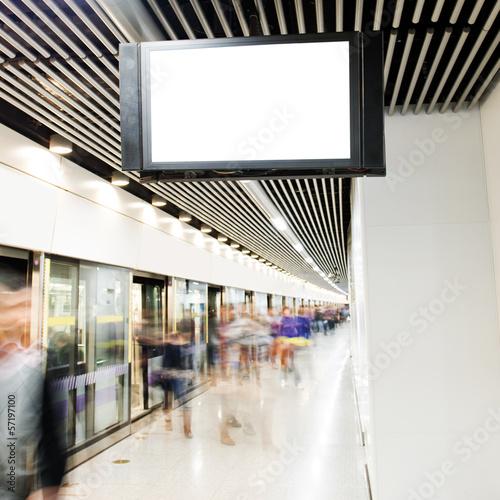 Aluminium Treinstation underground passage