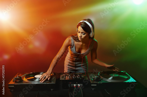 music dj woman