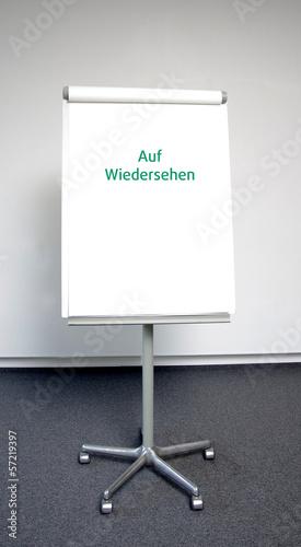 """""""Auf Wiedersehen"""" in grüner Schrift"""
