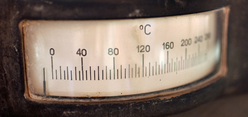 Vecchio termometro analogico