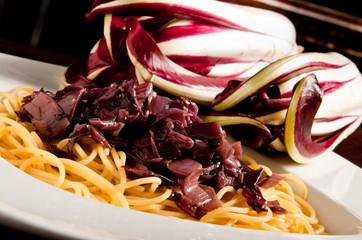 pasta, spaghetti al radicchio rosso