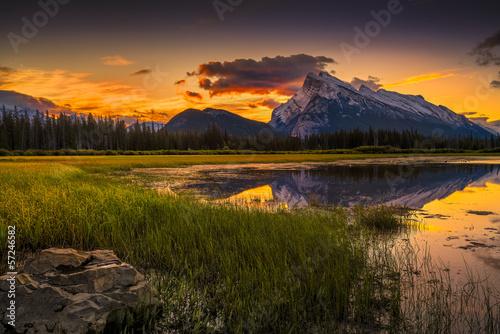 Aluminium Meer Vermilion Lakes Sunrise near Banff, Canada