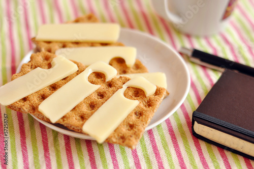 Light snack: crispbread and Emmental cheese