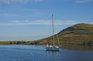 Barca a vela alle isole Incoronate