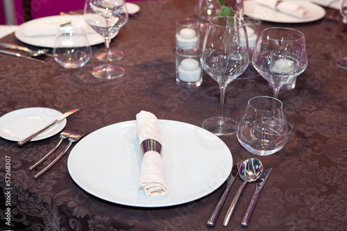 Elegant wedding dinner in brown