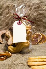 Plätzchentüte mit Geschenkanhänger, Textfreiraum
