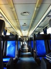 Interno di un vagone passeggeri