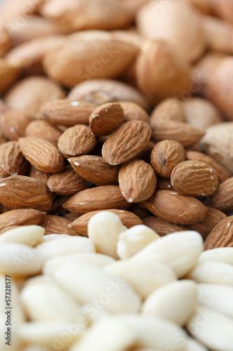 Almonds - mandorle