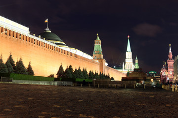 Kremlin wall, Senate and Senate tower, Nikolskaya tower and Leni