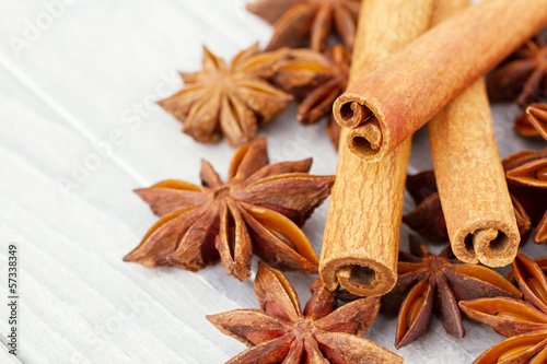 Cinnamon and anise stars