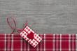 Karte in rot mit Herz zum Valentinstag, Geburtstag, Weihnachten