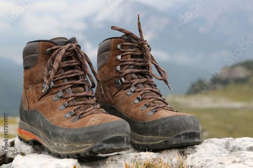 Wanderschuhe in den Bergen Alpen