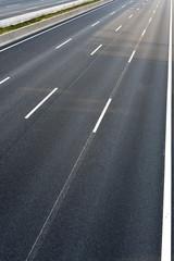 Leere 4-Spurige Autobahn