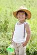 夏の元気な笑顔の子供