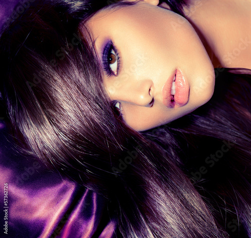 Beauty Girl. Glamour Fashion Woman Portrait