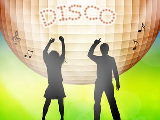 Paople dancing in disco
