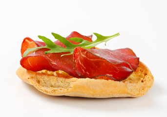 Friselle bread with smoked beef