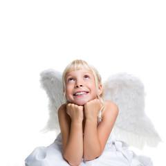 junges Kind mit Engelsflügeln