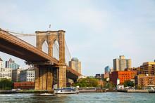 Fototapete - Brooklyn bridge in New York City
