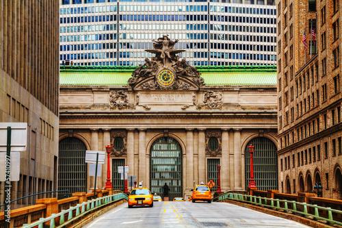 Foto op Plexiglas New York TAXI Grand Central Terminal viaduc in New York