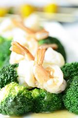 Gravy and Shrimp with broccoli