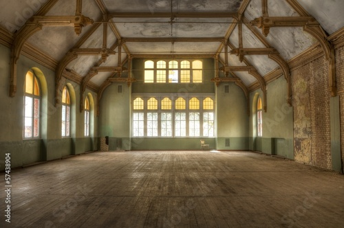 In de dag Rudnes Old hall in an abandoned hospital in beelitz