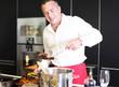 junger Koch in der Küche