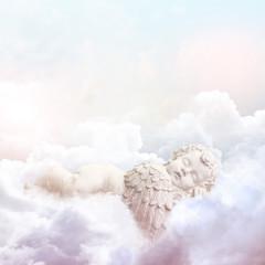 Engel in den Wolken pastellfarben