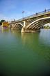 Puente de Triana y río Guadalquivir, Sevilla, España