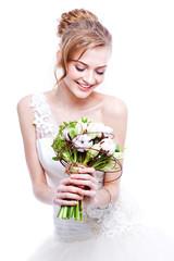 Bride portrait.Wedding dress. Wedding flowers.