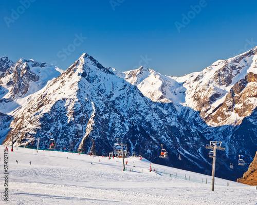 skiort-in-den-franzosischen-alpen