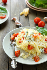 pasta with brie cheese and roasted tomatoes