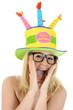 Frau mit Hut zu Geburtstag