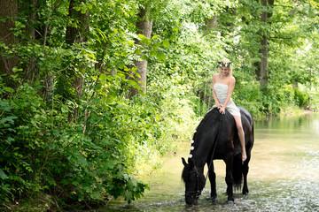 Elfe mit Pferd