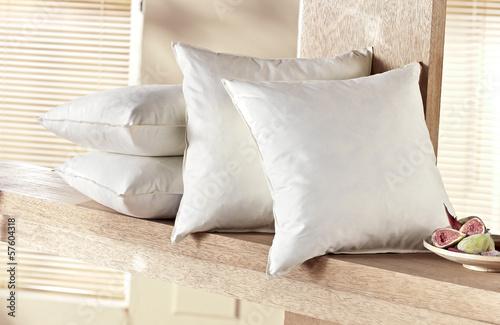 kopfkissen stockfotos und lizenzfreie bilder auf bild 57604318. Black Bedroom Furniture Sets. Home Design Ideas