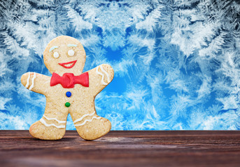 Smiling gingerbread men