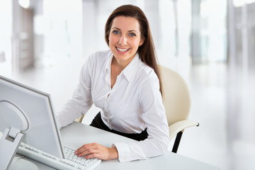 Business woman working with computer
