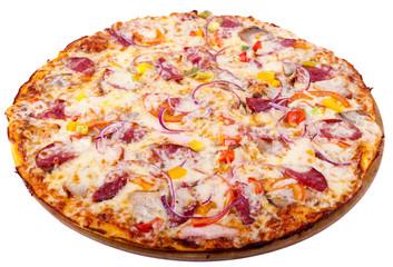 пицца с колбасой и луком