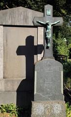 Doppeltes Kreuz auf Frieidhof