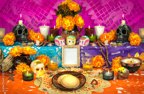 Leinwandbild Motiv Mexican day of the dead altar (Dia de Muertos)