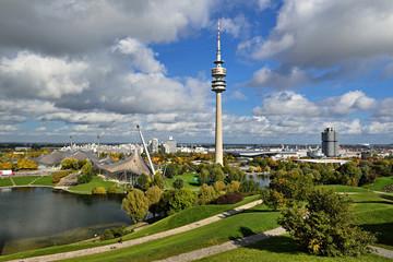 Olympiagelände München im Herbst