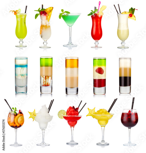 Foto op Aluminium Bar Set of alcoholic cocktails isolated on white